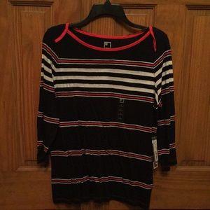 NWT Women's 3/4 sleeve shirt